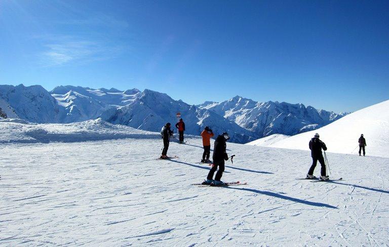 Безусловно, Passo Tonale – одно из лучших мест, оснащенное самым  современным оборудованием, для катания. Здесь же, по причине «долгого»  снега (ноябрь-май), ... 124e1db5fe5